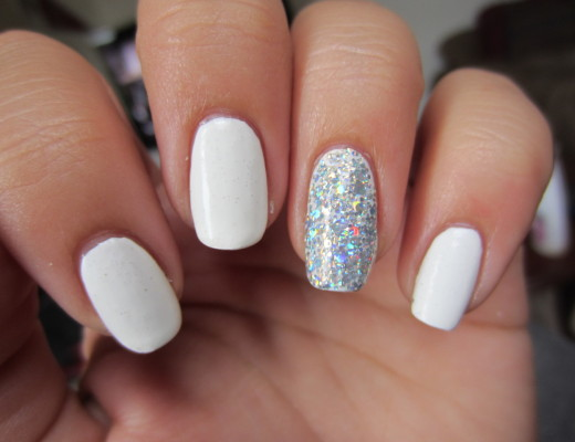 white gel nails, sparkly nails, pretty manicure, winter manicure, nail polish, glitter polish, glitter girl, teen girl nails, nails tumblr, nails pinterest
