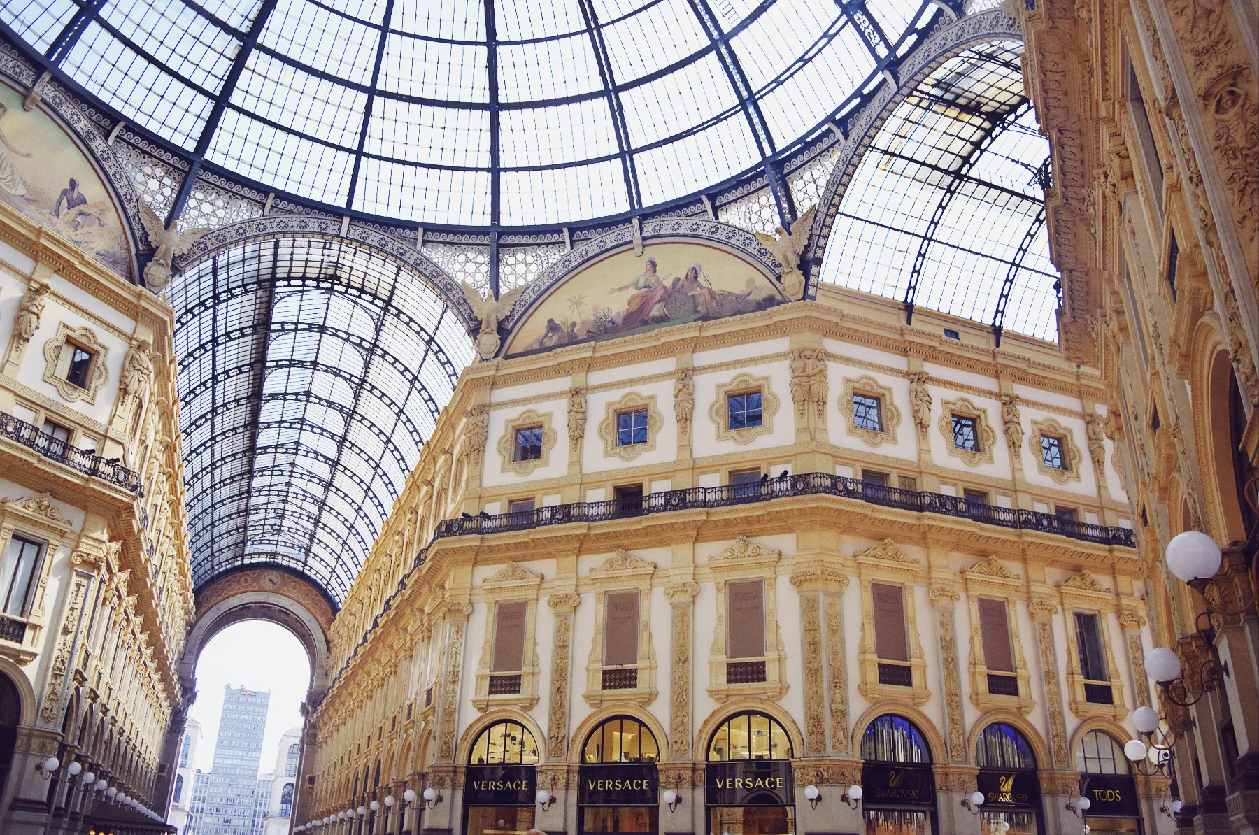 How To Drink Dine In Milan Like A Jet Setter Fashion